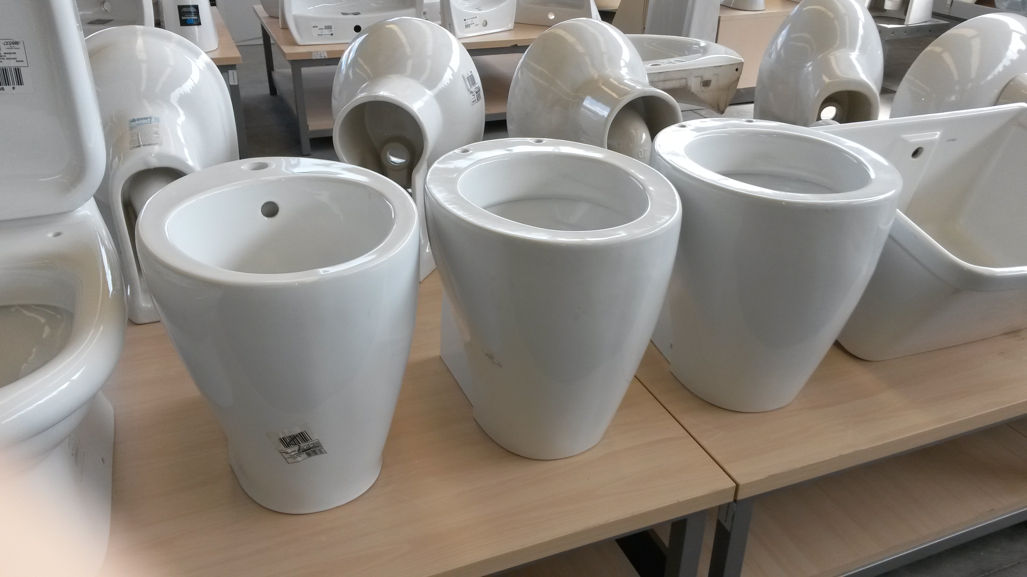 Stock sanitari in ceramica cesame - Stock sanitari bagno ...